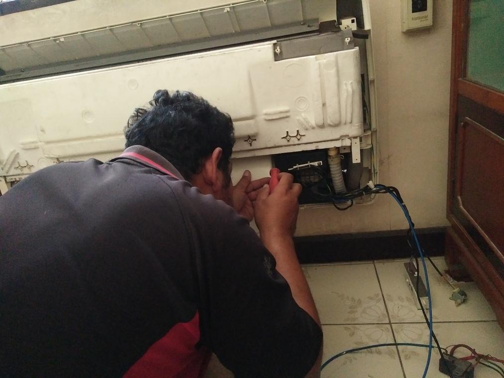 Main Servicesล้างแอร์ซ่อมแอร์และซ่อมแซมไฟฟ้าระบบปะปาและเครื่องไฟฟ้าภายในบ้าน by สุนทรแอร์ -  - Helpdee.com