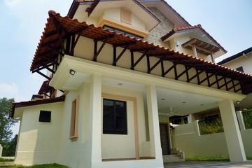 Medium exterior corner