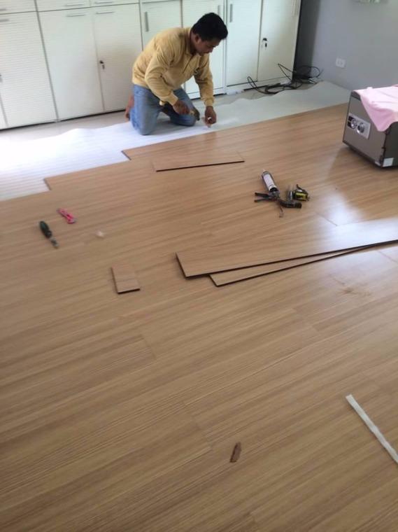 ต่อครัวหลังบ้าน by ช่างบิ๊ก รับเหมาต่อเติม - สีอิฐ วินเทจ ผสมผสาน ปูน อิฐ กระเบื้อง ห้องครัว หลังคา กันสาด Before After Before & After - Helpdee.com