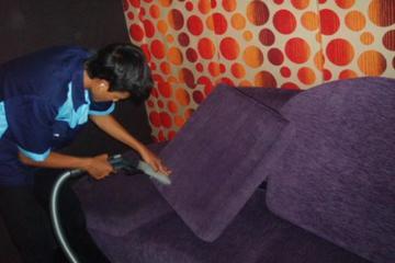 Medium cuci sofa
