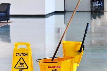 Medium cleaning service