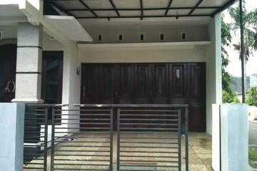 Medium contoh pintu teralis garasi minimalis modern